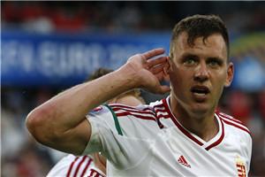欧洲杯-拜仁铁腰中柱 10人奥地利0-2负匈牙利