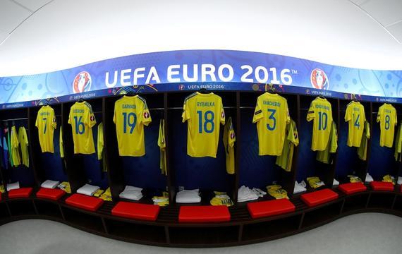 乌克兰vs北爱尔兰首发:轮换中锋 北爱换5人