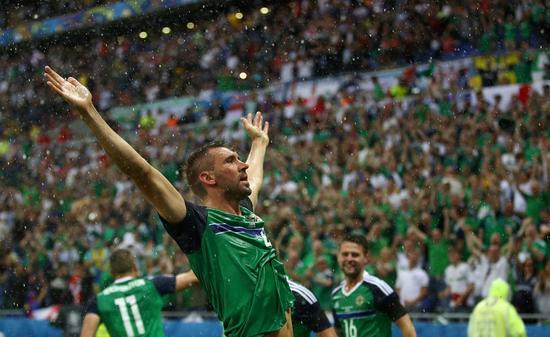 麦考利打入北爱尔兰在欧洲杯首粒入球