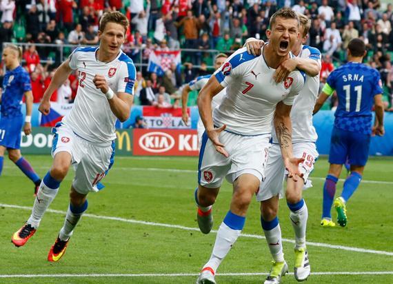 落日余晖!欧洲杯最动容的挣扎 向老骨头们致敬