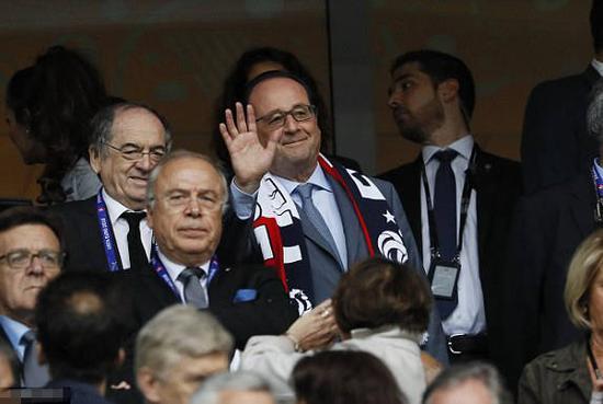 法国总统奥朗德观战