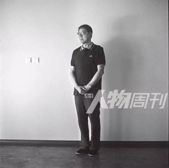 上海崇明岛上的徐根宝    图本刊记者/方迎忠