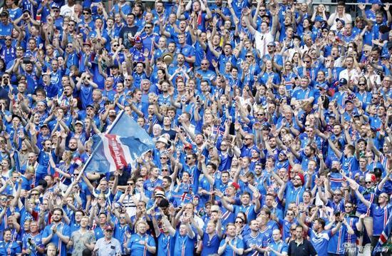 气势恢宏的冰岛球迷