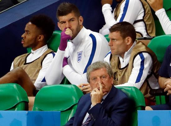 斯特林在英格兰队第3场小组赛没有登场