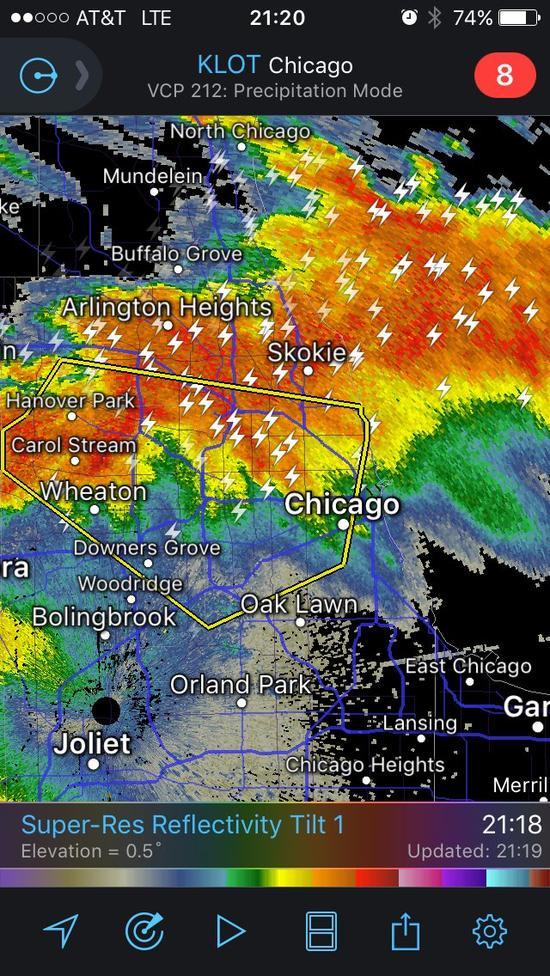比赛地芝加哥附近有强烈雷暴天气