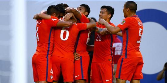 智利击败哥伦比亚进军决赛