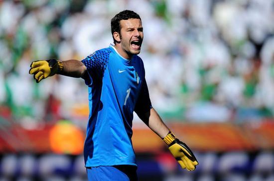 汉达诺维奇所在的斯洛文尼亚属于欧盟,但FIFA排名没进前50位