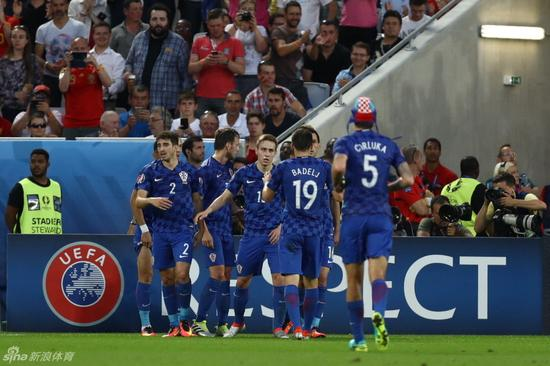 西班牙输给了克罗地亚