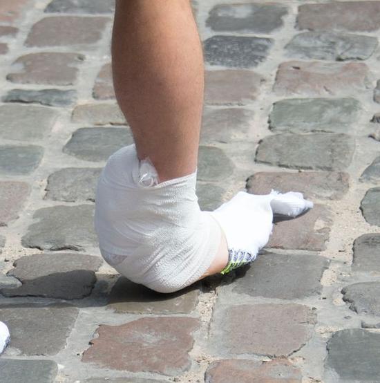 脚踝缠绷带