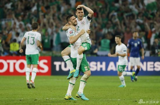 爱尔兰搭上淘汰赛末班车