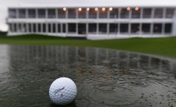 欧巡宝马国际赛遭暴雨侵袭 第三轮腰斩