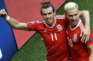 欧洲杯-贝尔造乌龙绝杀 威尔士胜北爱闯进八强