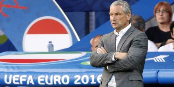 匈牙利主帅:我们可以昂首离开 球队未来一片光明