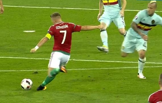 gif-茹扎克外围左脚劲射擦柱而出 比利时逃过一劫