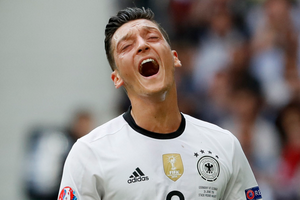 欧洲杯-戈麦斯破门厄齐尔失点 德国3-0完胜晋级