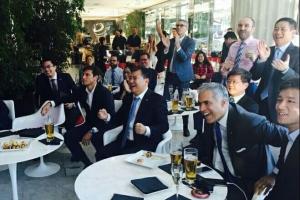 苏宁老总抵意将宣布入主国米 与高层看欧洲杯