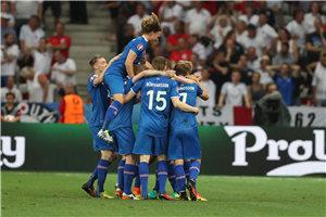 欧洲杯-爆冷!鲁尼点射遭逆转 英格兰1-2负冰岛