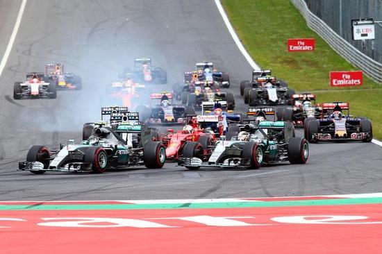 2015年F1奥地利站发车场面