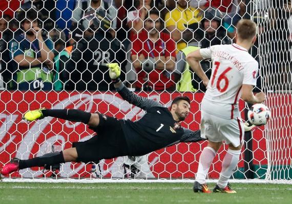 欧洲杯上的悲情人生!斗士之泪 这个男人不容易
