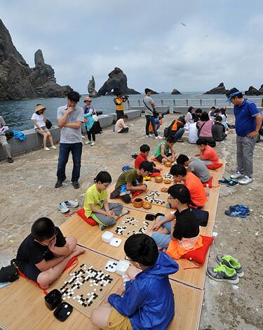 李世石道场的学棋儿童也参加了活动
