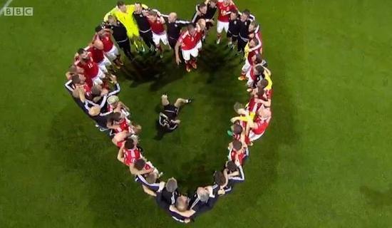 威尔士赛后庆贺