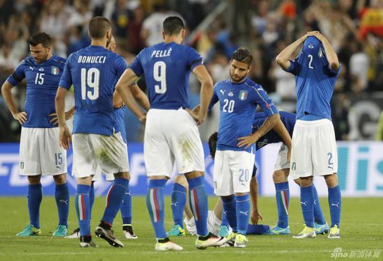 失意的意大利球员