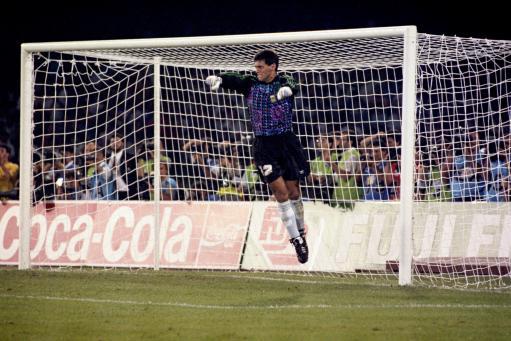 1990世界杯阿根廷门将戈耶切亚阻挡住了意大利