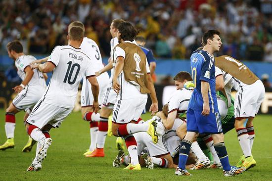 2014国际杯决赛,梅西输给了德国人的团队足球