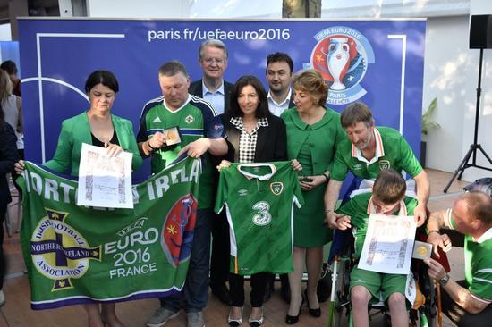 爱尔兰球迷是本届欧洲杯文明观赛的典范