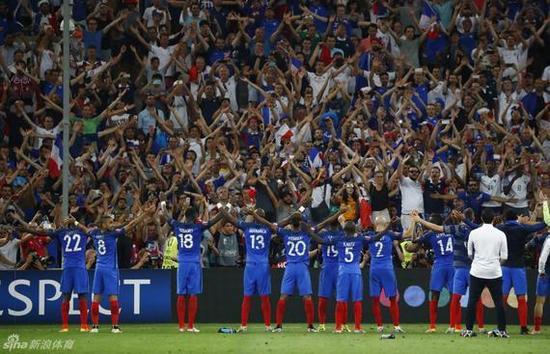 法国队在淘汰赛越战越勇