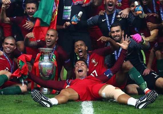 欧洲杯大结局:拜仁新援新人王 英超双将助攻王