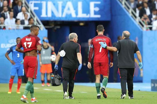 欧洲杯 C罗伤退替补加时绝杀 葡萄牙擒法国夺冠