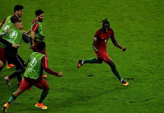 欧洲杯-C罗伤退替补加时绝杀 葡萄牙擒法国夺冠