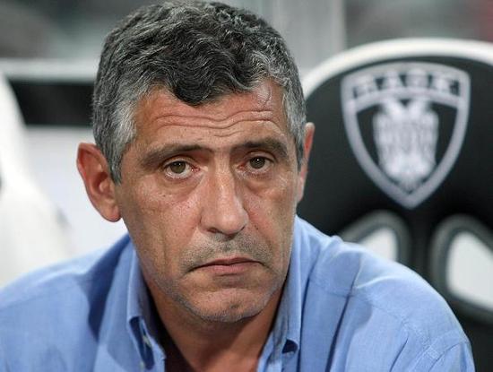 执教PAOK期间的桑托斯