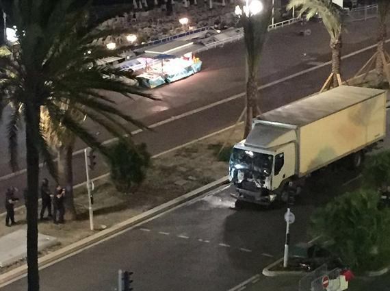 恐袭者下车扫射另配手雷 曝ISIS宣称对袭击负责