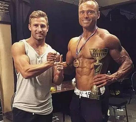 安迪-特纳取得健美冠军