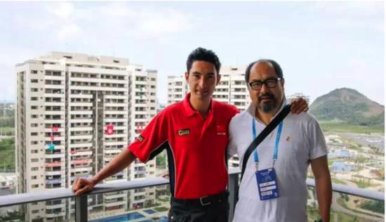 华天与父亲在里约奥运村