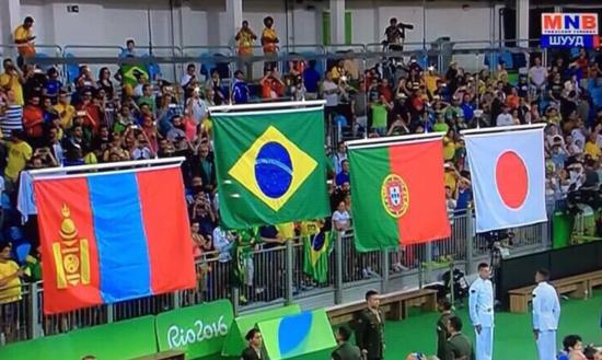 其他国家国旗并列悬挂其他国家国旗并列悬挂