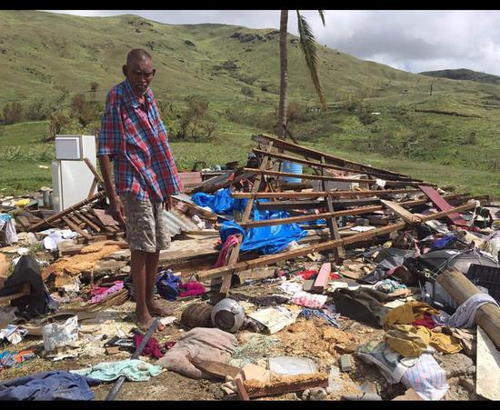 台风摧毁了居民的房屋