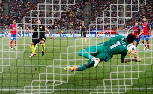欧冠-阿圭罗3球2失点曼城5-0