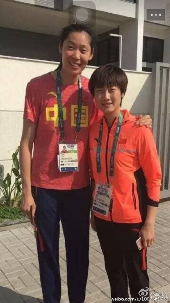 朱婷和丁宁曾在奥运村合影
