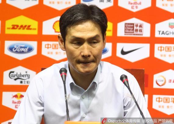 崔龙洙:不评价赢在外援的说法 每名队员都在奉献