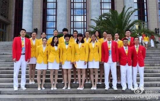 中国女排全家福