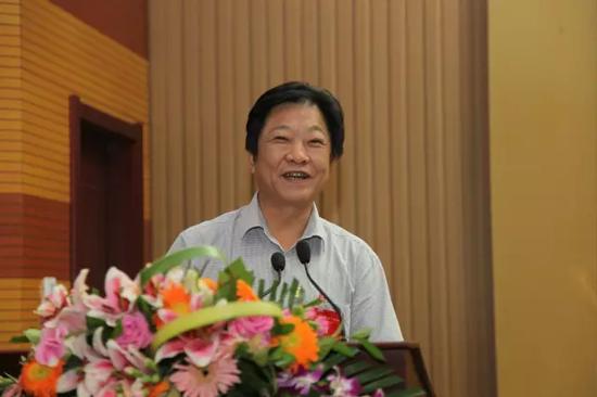 山东省畜牧兽医局唐建俊副局长
