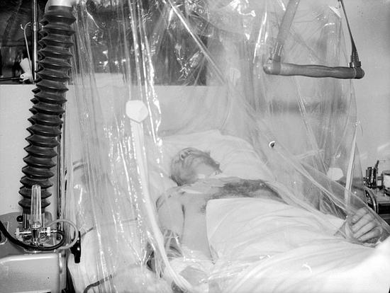 巴斯比曾经在慕尼黑空难中身负重伤