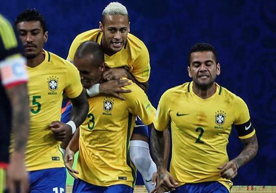 巴西庆祝进球