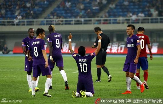 中超-新援头球献绝杀 泰达2-1建业终结10轮不胜