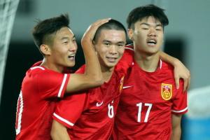 邀请赛-杨立瑜高难度破门魏来建功 U19中国3-0胜