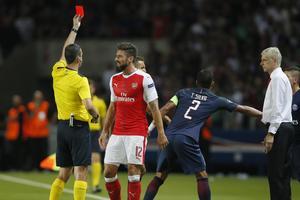 欧冠-374救主吉鲁冲突染红 阿森纳1-1巴黎