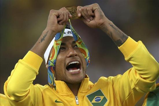 内少刚刚赢得奥运金牌